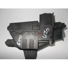 Бушонно табло за VOLVO V70 FUSE BOX  8690698